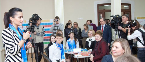 Чтобы обсудить перспективы развития образовательной системы в России, член Общественной палаты предложила провести workshop – своеобразную игру «построй свою идеальную школу».