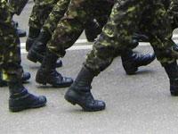 Госдума даст отсрочку от призыва на службу в армии 18-летним выпускникам уже в июне, законодательное урегулирование вопроса по аспирантам откладывается до осени