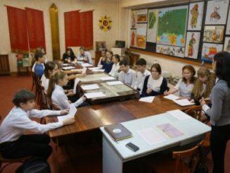 Школьники Волгограда участвуют в патриотических акциях