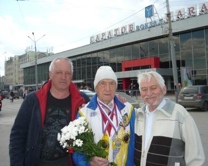 Саратовский ветеран Анатолий Лисицкий одержал три очередных спортивных победы в преддверии 9 мая